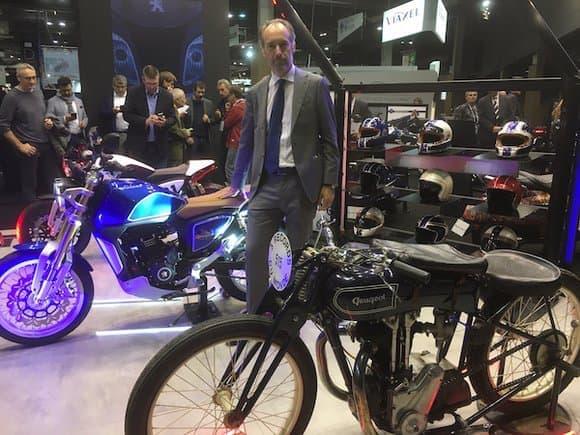 """Le stand Peugeot du Mondial de la Moto en 2018. Pour Costantino Sambuy, PDG de Peugeot Motocycles, """"la moto est l'âme de Peugeot""""."""