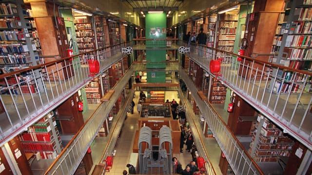 Le site de la Bibliothèque nationale de France rue de Richelieu accueille plus de 40 millions de documents.