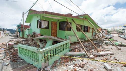 Maisons endommagées par le séisme à Mexico, le 21 septembre 2017, deux jours après le puissant séisme qui a frappé la capitale mexicaine.