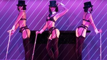 Des danseuses sur la scène du Crazy Horse à Paris