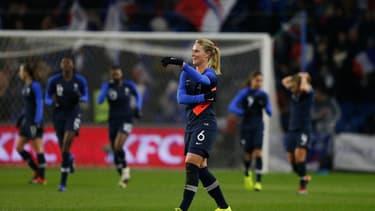 L'équipe de France féminine de football est nettement moins médiatisée que son pendant masculin.