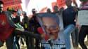 Des manifestants contre Barack Obama à Soweto.