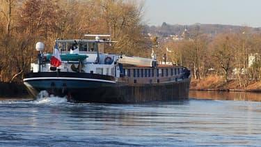 Le canal Seine-Nord Europe devrait relier Compiègne à Douai.