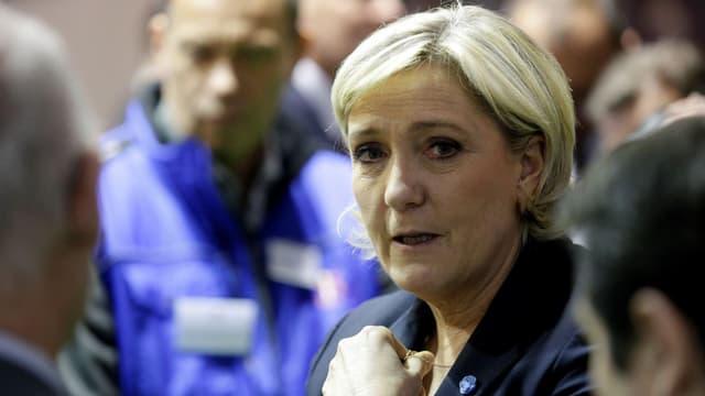 """Marine Le Pen veut faire """"l'inverse de ce que fait"""" Bruxelles"""