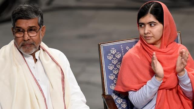 Malala Yousafzai avec l'Indien Kailash Satyarthi lors de la remise de leur prix Nobel de la paix en décembre 2014