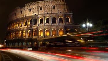 Le Colisée, à Rome. Depuis des mois, les travaux de Raffaele Bendandi, qui affirmait que les tremblements de terre étaient prévisibles, alimentent un débat passionné sur les sites internet et les réseaux sociaux : la capitale italienne pourrait être frapp