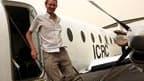 Un employé de la Croix-Rouge, Gauthier Lefèvre, ici à son arrivée à l'aéroport de Khartoum, a été libéré jeudi après 147 jours de captivité. Ce Frano-britannique avait été enlevé au Darfour le 22 octobre dernier et était le dernier otage étranger détenu d