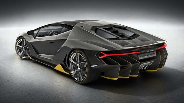 Lamborghini a dévoilé cette version de 770ch pour célébrer son centième anniversaire.