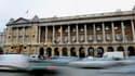 Selon Le Figaro, la vente de l'Hôtel de Crillon est près d'être finalisée pour 250 millions d'euros, par son actionnaire le fonds américain Starwood Capital, signant le passage du palace parisien aux mains d'investisseurs saoudiens proches de la famille r
