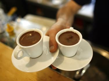 Les pourboires payés par carte bancaire dans les cafés et restaurants seront désormais défiscalisés.