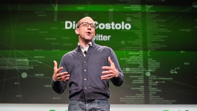 """Dick Costolo, l'homme qui a """"fait"""" Twitter, laisse un groupe en panne de croissance, avec des incertitudes lourdes quant à sa stratégie à venir. Le titre a gagné 10% après l'annonce de son départ."""
