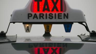 """Ce """"forfait taxi"""" doit permettre un meilleur accueil des touristes à Paris."""