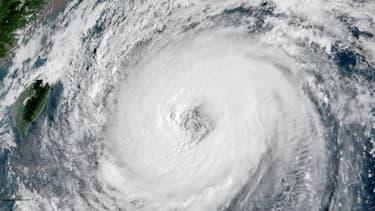Photo satellite du typhon Trami au large du Japon, le 27 septembre 2018