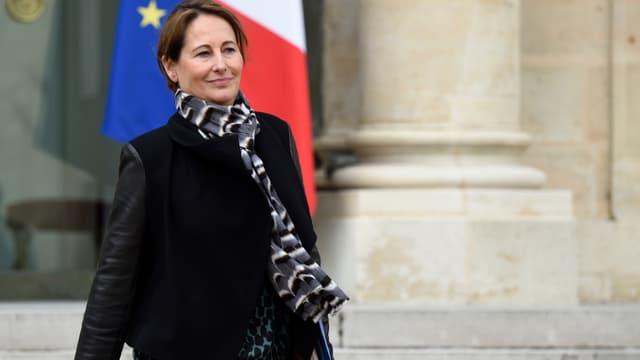 Ségolène Royal écarte l'idée de quitter le ministère de l'Ecologie.