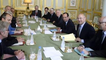 François Hollande et les partenaires sociaux à l'Elysée le 19 juin.