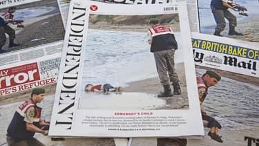 La photo du jeune Aylan publiée par la presse quotidienne britannique.