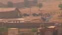 Un petit avion charter affrété par la compagnie pétrolière italienne ENI s'est écrasé peu après son décollage de l'aéroport de Karachi au Pakistan tuant les 21 passagers à son bord. /Image vidéo tournée le 5 novembre 2010/REUTERS/Reuters TV