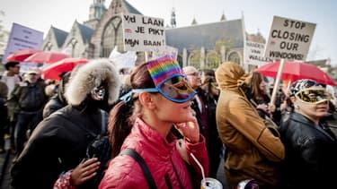 Des prostituées on manifesté, ce jeudi, dans les rues du quartier rouge d'Amsterdam.