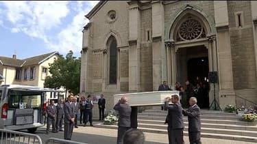 Attentat en Isère: vive émotion aux obsèques d'Hervé Cornara