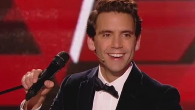 """Mika sur le plateau de """"The Voice"""", dans l'émission du samedi 8 avril"""