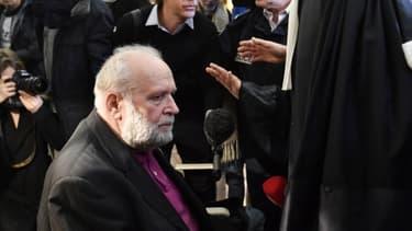 L'ex-prêtre Bernard Preynat à son procès.