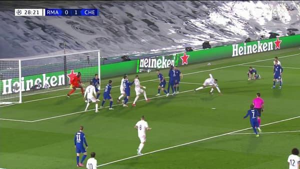 Karim Benzema égalise de superbe manière lors de Real-Chelsea