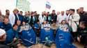 La capsule Soyouz ramenant sur Terre les deux cosmonautes russes Alexandre Skvortsov (au centre) et Mikhaïl Kornienko et l'astronaute de la Nasa Tracy Caldwell Dyson de la Station spatiale internationale (ISS) s'est posée sans dommage samedi au Kazakhstan