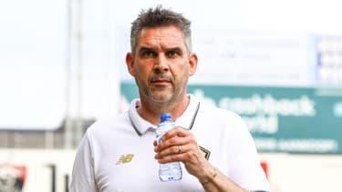 Dans une interview accordée à L'Équipe, Jocelyn Gourvennec est revenu sur l'altercation entre Xeka et Tiago Djalo, la semaine dernière, lors d'un match amical en Belgique. Les deux joueurs avaient été exclus après s'être chauffés sur le terrain. Le coach du Losc assure que tout est rentré dans l'ordre.