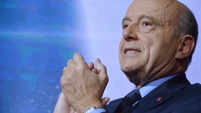 Alain Juppé attend de voir les effets des mesures annoncées par le gouvernement.