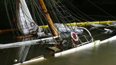 """Le schooner """"N° 5 Elbe"""", qui venait d'être restauré, coule après une collision avec un porte-conteneurs, le 9 juin 2019 à Stadersand, près de Hambourg, en Allemagne"""
