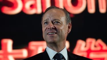 Christopher Viehbacher a gagné plus de 8 millions d'euros en 2014, avant d'être débarqué de Sanofi.