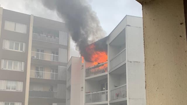 L'incendie vu depuis un immeuble adjacent
