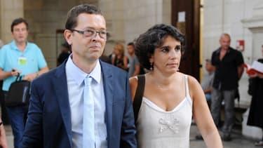 Nicolas Bonnemaison et sa femme arrivent à la cour d'assises de Pau, le 12 juin 2014.
