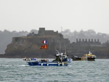 Des pêcheurs français manifestent à l'entrée du port de Saint-Hélier à Jersey en Angleterre, le 6 mai 2021,  pour alerter sur les restrictions de pêche dans les eaux anglaises suite au Brexit (Photo d'illustration)
