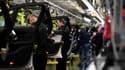 Employés d'une usine Mercedes en Allemagne (image d'illustration)