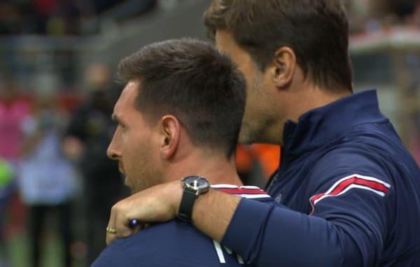 Messi et Pochettino avant l'entrée en jeu du joueur