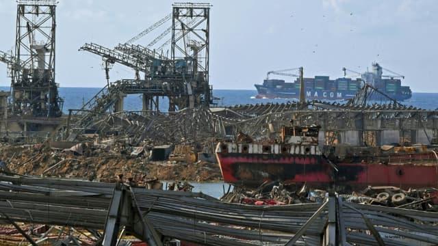 Le port de Beyrouth détruit, le 11 août 2020, six jours après la double explosion.
