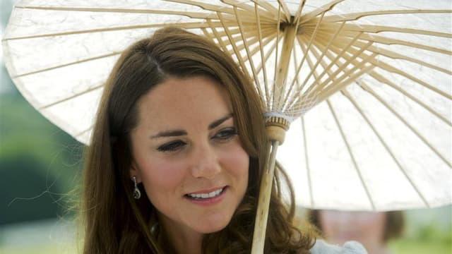 Le bihebdomadaire suédois Se och Hor a publié mercredi des photographies seins nus de la femme du prince William de Grande-Bretagne, Kate Middleton, et sa version danoise devrait lui emboîter le pas jeudi. /Photo prise le 13 septembre 2012/REUTERS/Nicolas