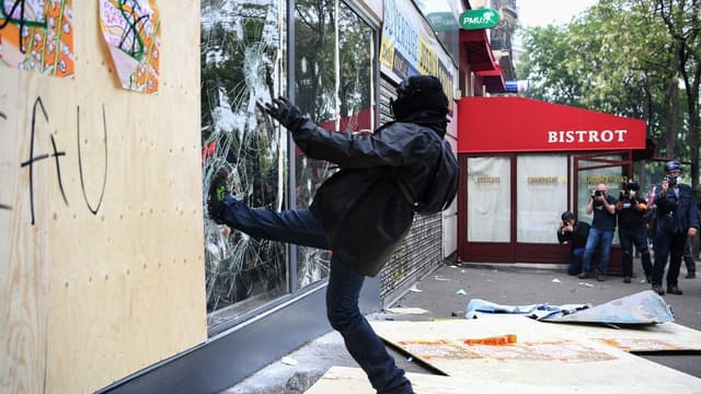 Un casseur lors de la manifestation du 1er mai 2019 à Paris.