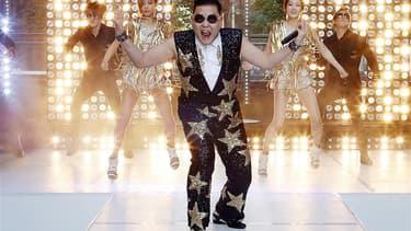 """Avec 809 millions de connexions, le clip """"Gangnam Style"""" du rappeur sud-coréen Psy est devenu samedi la vidéo la plus visionnée sur YouTube. /Photo prise le 17 octobre 2012/REUTERS/Tim Wimborne"""