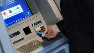 Les Français hésitent à changer de banque, dissuadés par la complexité des procédures.
