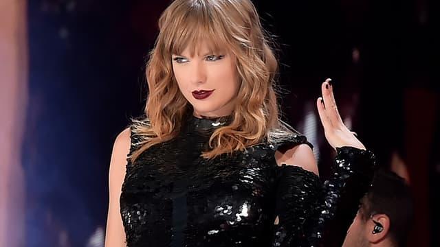Taylor Swift sur scène à Glendale, aux États-Unis, le 8 mai 2018