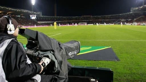 Les droits TV de la Ligue 1 sont répartis entre Canal Plus et BeIN Sport.