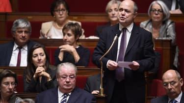Bruno Le Roux, le président du groupe socialiste à l'Assemblée, a annoncé le dépôt d'un amendement pour permettre la création de 50.000 nouveaux emplois aidés.