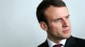 """Emmanuel Macron estime que """"la figure du roi"""" est """"le grand absent"""" de la vie politique moderne."""