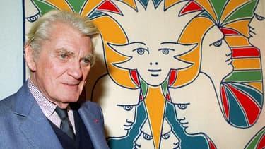 Jean Marais devant une toile de Jean Cocteau en novembre 1989