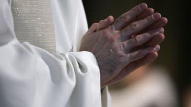Vingt-cinq évêques ont selon Mediapart couvert des crimes pédophiles depuis les années 60 jusqu'à maintenant.