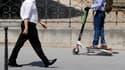 Deux personnes qui circulaient à trottinette ont été blessés à Paris en percutant un bus.