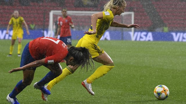 Le match entre la Suède et le Chili a été interrompu en raison des mauvaises conditions météorologiques.