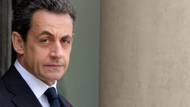 Nicolas Sarkozy dispose d'un patrimoine d'environ 2,7 millions d'euros sous forme, pour l'essentiel (2,58 millions), d'assurances-vie, selon une déclaration du président-candidat publiée samedi au Journal Officiel. /Photo prise le 11 janvier 2012/REUTERS/